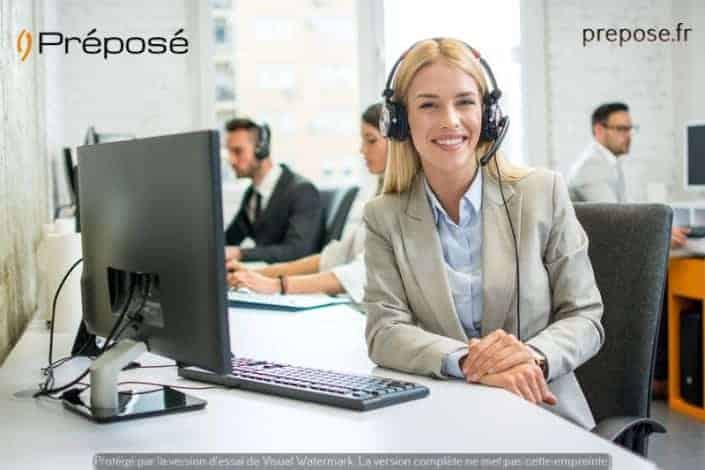 Une secrétaire à Reims pour la permanence téléphonique de la société Préposé